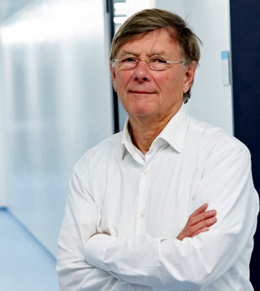 Professor Dr. Albert Osterhaus