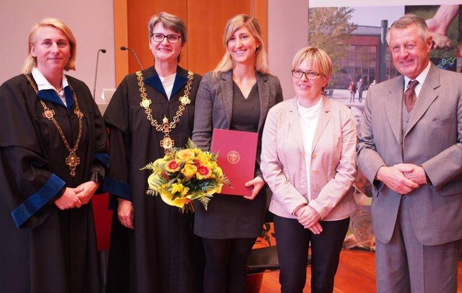 Vizerektorin Prof. Kneissl, Rektorin Prof. Winter, Heimtierpreisträgerin 2017 Dr. Schwarz, Laudatorin Dr. Barbara Bockstahler, Präsident Dr. Frantsits
