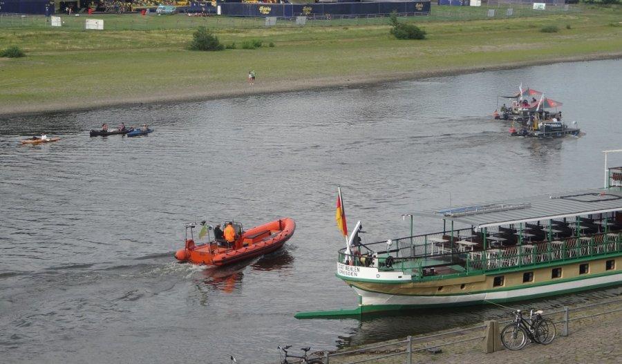 Freizeitschifffahrt an der Elbe