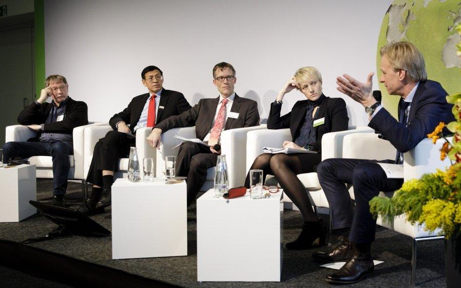 Podiumsgäste Dr. Jean-Louis Peyraud, Dr. Shenggen Fan, Prof. Dr. Martin Petrick, Dr. Olga Trofimtseva und Ralf Strassemeyer (v.l.n.r.).