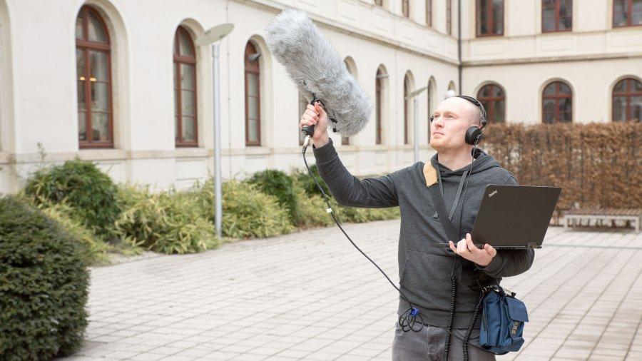 In seinem ESF-geförderten Projekt möchte TU-Forscher Stefan Kahl eine Automatisierung in der Erkennung von Vogelstimmen erreichen.