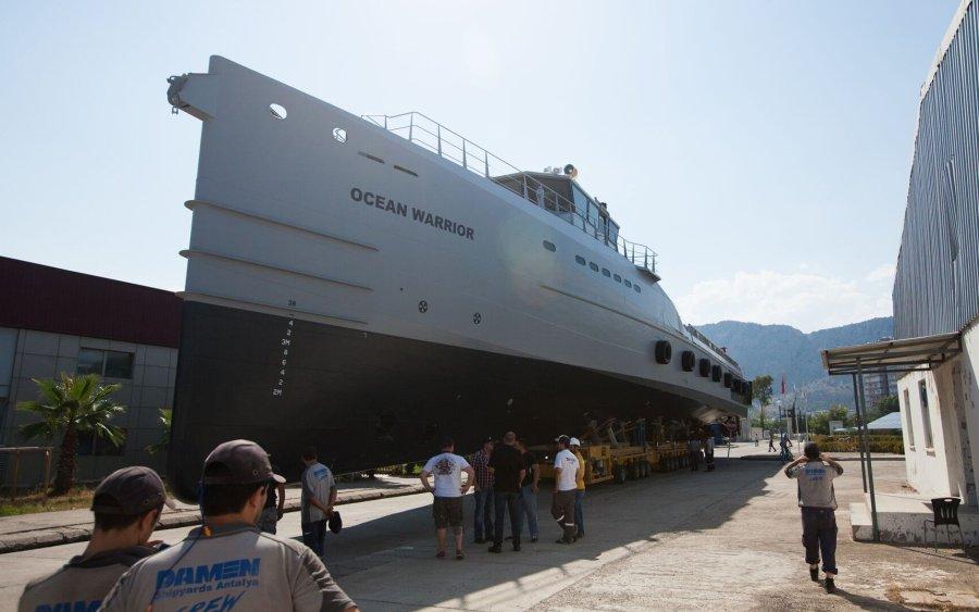 Sea Shepherd Global lässt neues Patrouillenschiff Ocean Warrior zu Wasser