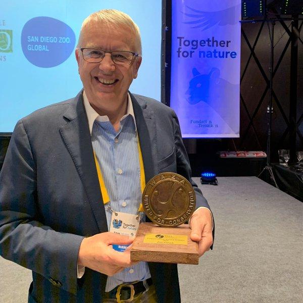 Zoodirektor Alex Rübel mit dem WAZA Conservation Award 2019